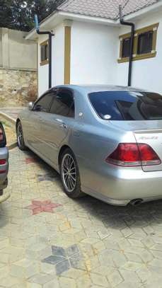2003 Toyota Crown image 3