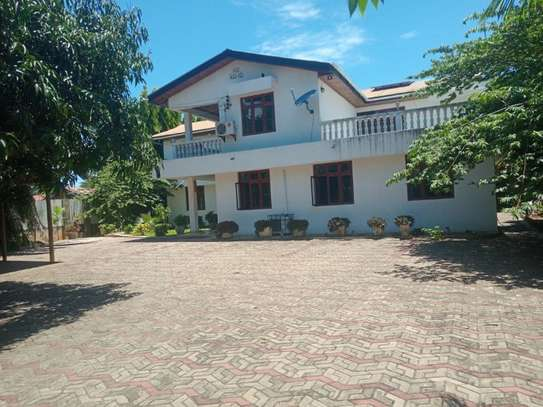 4bed  fully furnishedhouse at mbezi beach $1800pm image 3