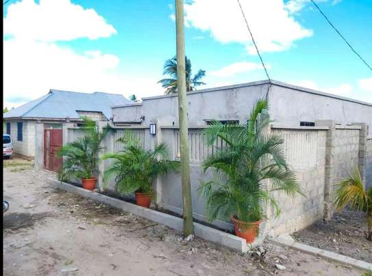 BUY THIS BRAND NEW KIGAMBONI 3 BEDROOMS STANDALONE HOUSE image 1