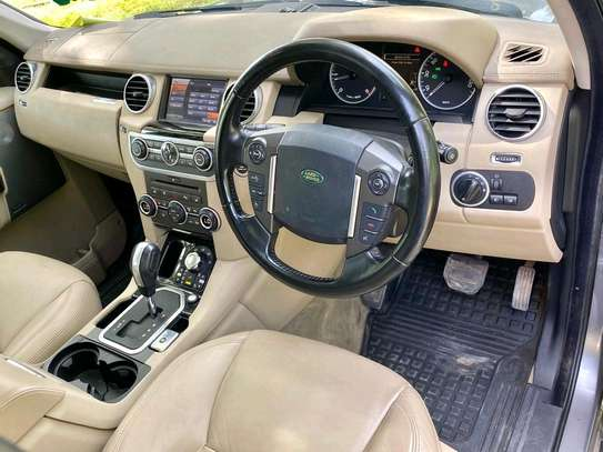 2011 Land Rover Discovery image 6