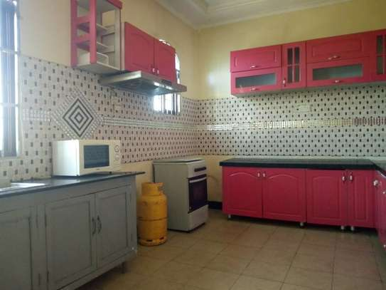 3bedroom apartment in Msasani to let $530 image 2