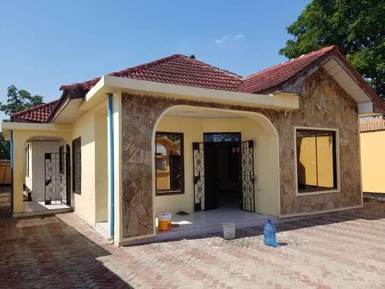 4BEDROOMS HOUSE FOR RENT AT MIKOCHENI B image 5
