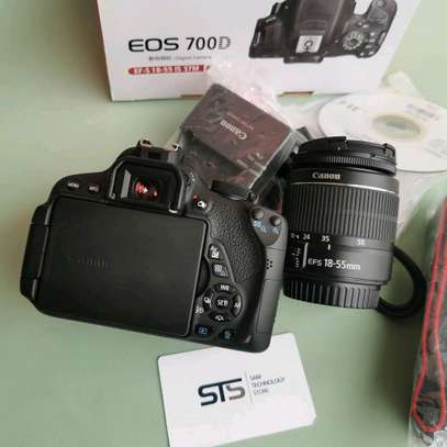CANON EOS 700D WITH LENS 18-55MM image 3