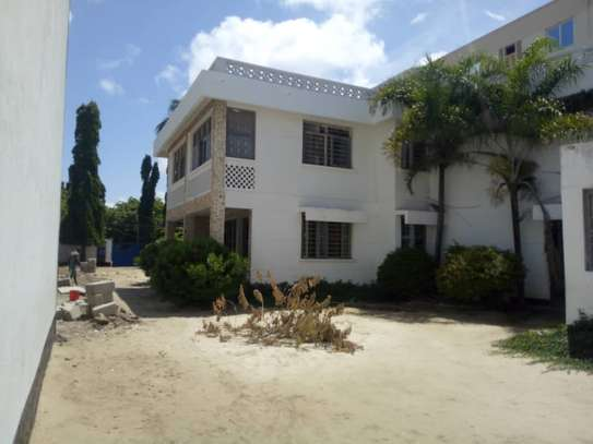 big house  8 bed room house for rent at mikocheni image 7