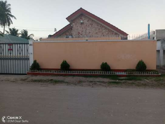 4bed house at mikocheni warioba tshs 1300000 image 6