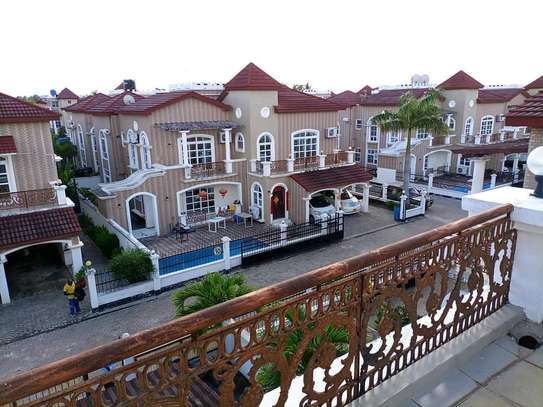 Villa for rent and sale five Bedroom and 3 bedroom image 1
