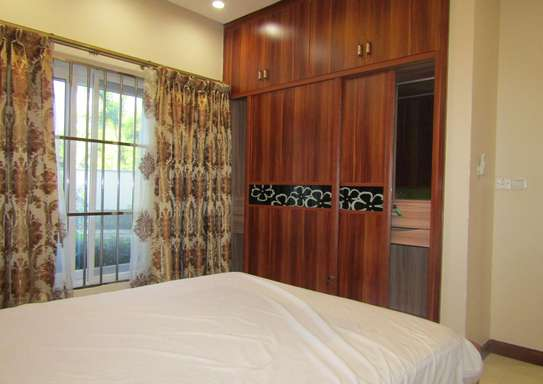 1 & 2 Bdrm Luxury Full Furnished Apartments in Oysterbay image 7