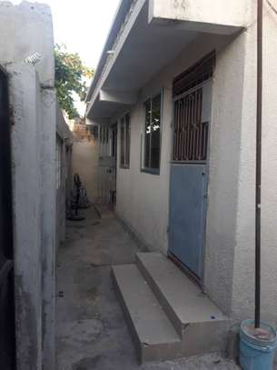 1bed house at mikocheni tsh 300,000 image 3