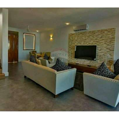 Full Furnished Luxury Beach Villa For SALE. image 3