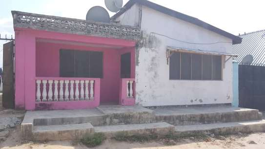 2 HOUSES FOR SALE: image 6