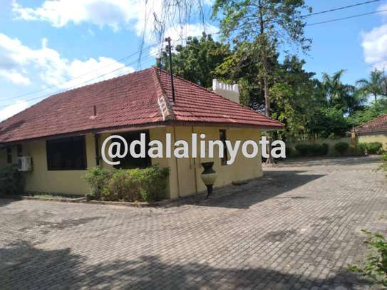 NICE HOUSE FOR RENT STAND ALONE image 5