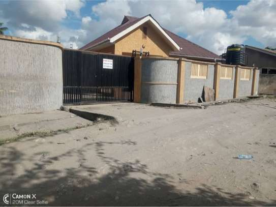 3bed house at mikocheni 1000000 image 2
