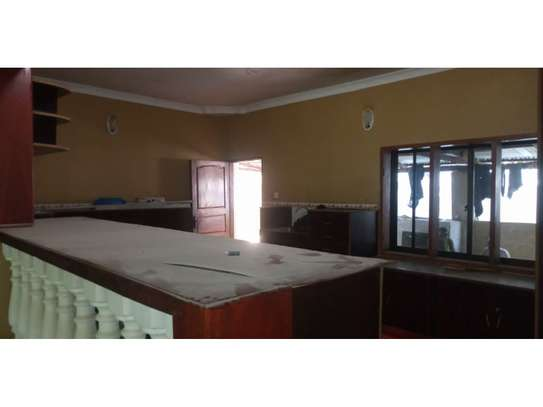 4bed house i deal for office along haileselasie rd masaki $2500pm image 14