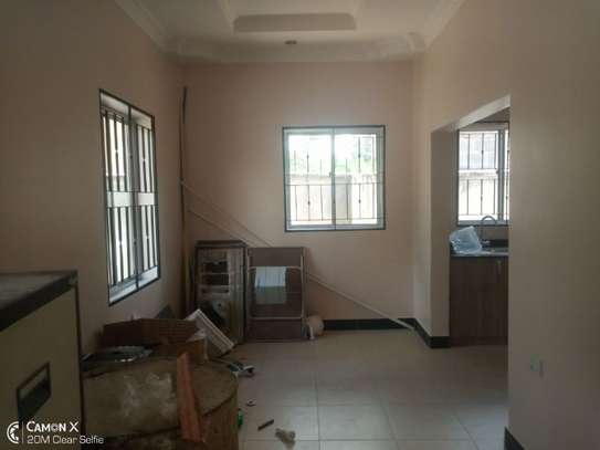 4bed house at oyster bay with big compound and garden $3500pm image 2