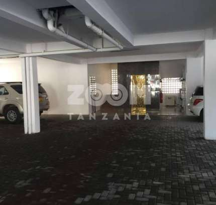 SPACIOUS  OCEAN VIEW FULLY FURNISHED 3BHK (EN-SUITE)  Apartment for sale image 9