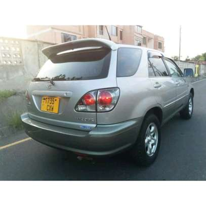 2002 Toyota Harrier image 9