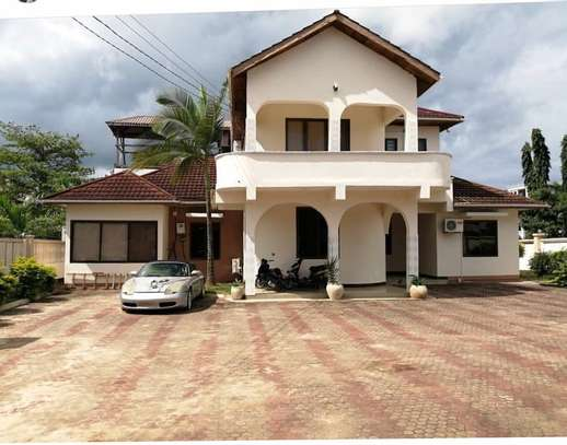 5bed house at mbezi beach 1000sqm image 2