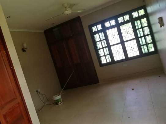 4bed room house at mbez africana TSH 1million image 15
