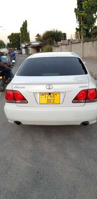 2005 Toyota Crown image 2
