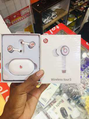 BEATS EarBuds FULLBOX BRAND NEW (OFFER) 45,000/= image 1