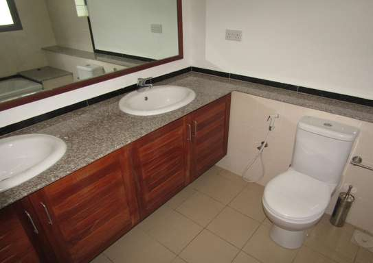4 Bedroom Furnished Town House in Masaki image 9