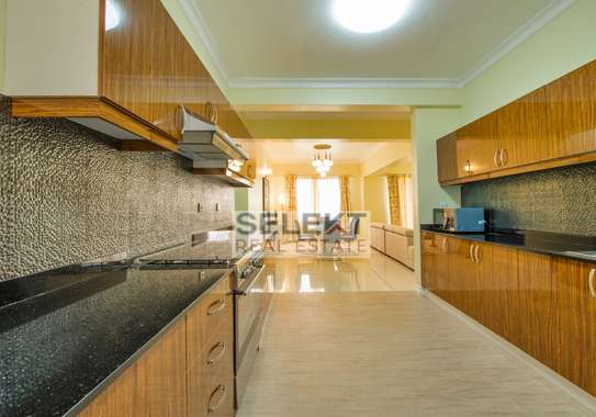3 Bdrm Furnished Beautiful Apartment In Masaki image 2