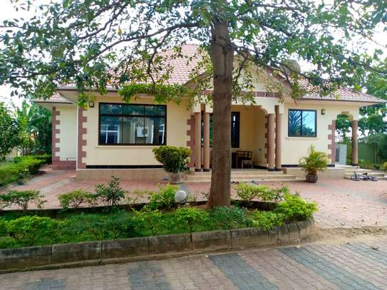4 bed room all ensuite house for rent at salasala image 3