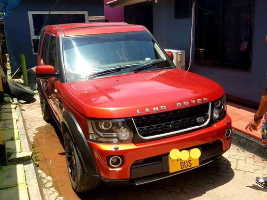 2010 Land Rover Discovery image 2