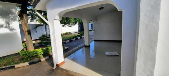 a 4bedrooms UNFURNISHED standalone in MASAKI  is now available for RENT image 2
