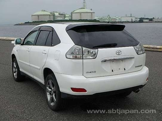 2005 Toyota Harrier image 2