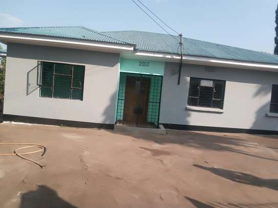 4 BEDROOM HOUSE AT NJIRO image 1