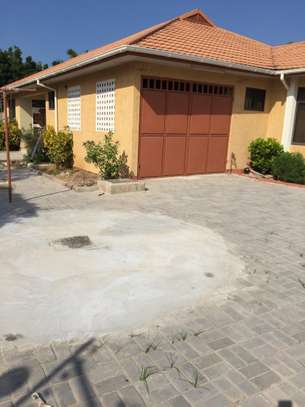 4 Bedroom House For Rent In TEGETA image 3