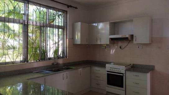 4bed house at masaki peninsular with swiming pool image 11