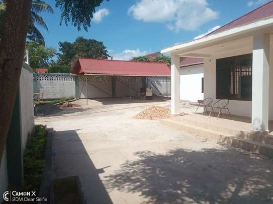 2Bedrooms House at Oyster bay $800pm image 4
