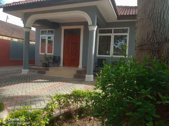 3bed house at mikocheni tsh 1,500,000 2bed all ensuite image 5