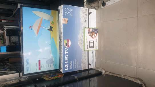 LG LED TV WITH GAME INCH 32 image 3