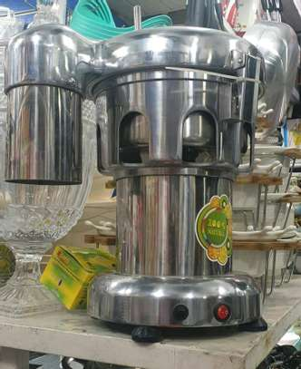HEAVY DUTY COMMERCIAL BLENDERS image 2
