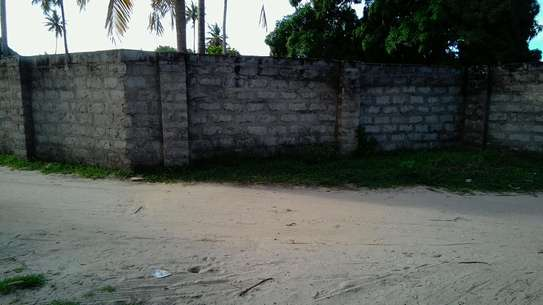 Buy Our Industrial Property @ Low Price! image 4