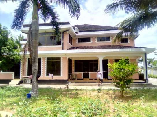 5 bed room house for sale at chanika image 1