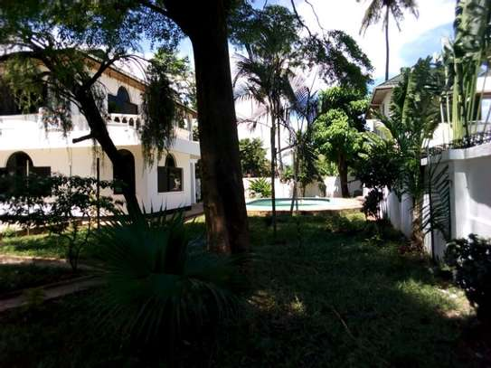 5bed house at mikocheni $2500pm image 7
