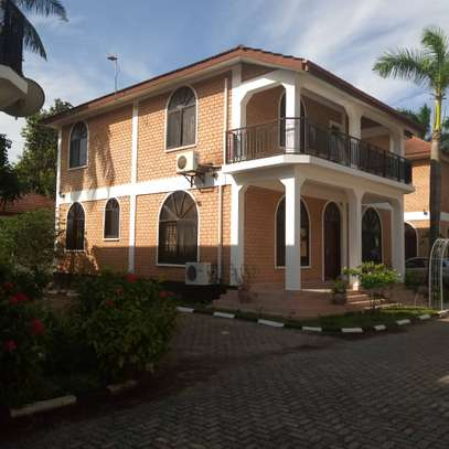Four Bedrooms Beautiful Villa For Rent