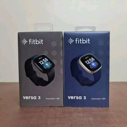 Fitbit Versa 3 Health & Fitness Smartwatch with GPS, 24/7 Heart Rate image 6