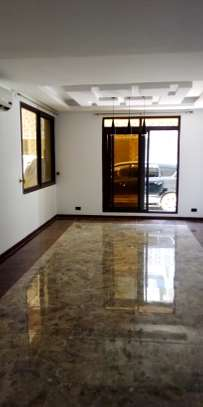 SPECIOUS 5 BEDROOM VILLA FULLY FURNISHED FOR RENT AT INDIAN OCEAN