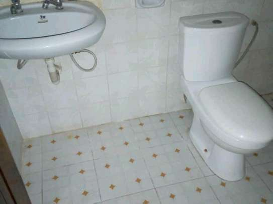 3 bdrms unfurnished House, Tshs.700,000/Month Sinza image 8