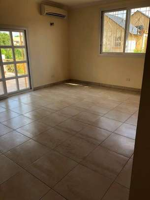 4 Bedrooms Large Home For Rent in Oysterbay image 3