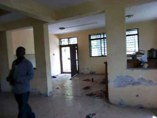 5bed house for sale at mikochen B TSH 500m image 5
