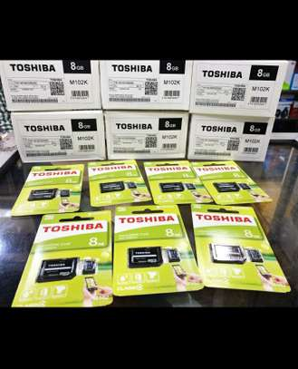 Toshiba High Speed microSD™ Card 8GB with Adapter image 2