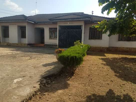 5 Bdrm House mbezi beach 3,300sqm image 1