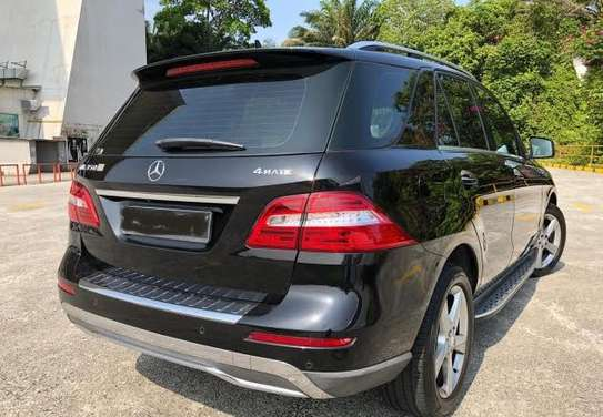 2013 Mercedes-Benz ML 350 4MATIC USD 20000 UP TO DAR PORT TSHS 76MILLION ON THE ROAD image 2