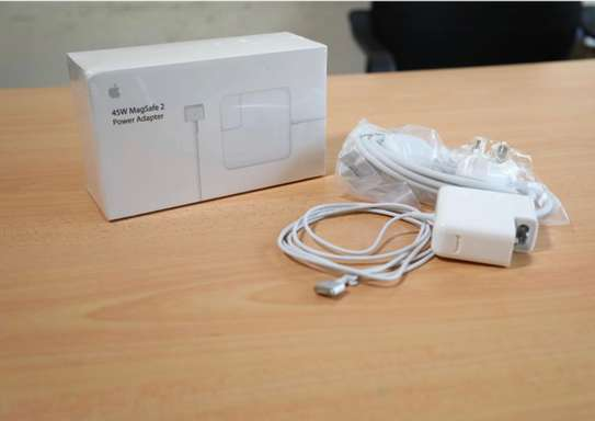 magsafe power adapter /macbook adapter image 2